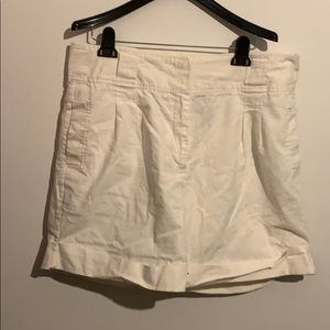 Attention white shorts in size 16!